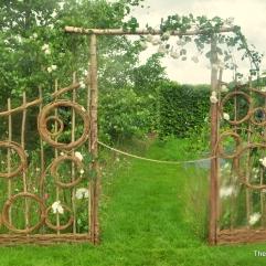 Wood woven Gateway